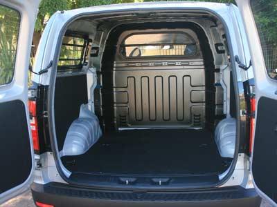 Hyundai H1 Multicab 2.5 VGTi  6 Seater Diesel  5-spd automatic van review (3/5)