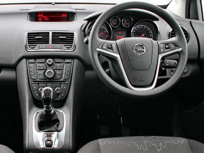Opel_Meriva_dash