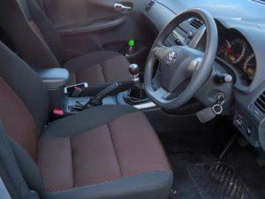 Toyota Quest interior