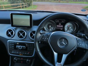 MB-GLA200--1-084dash