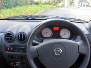 Nissan-NP200-Stealth-156_dash