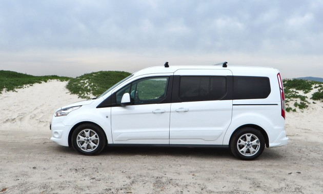 Ford-Tourneo-Connect-037-side