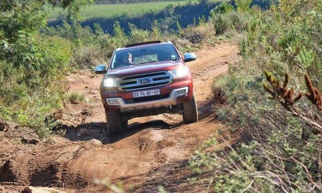 Ford-Everest-Ltd-nose